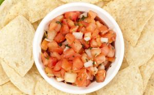 Salsa Dip with Pita Chips
